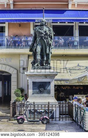 Saint-tropez, France - August 16: Pierre De Suffren Monument In Saint-tropez, Cote D'azur, France, A