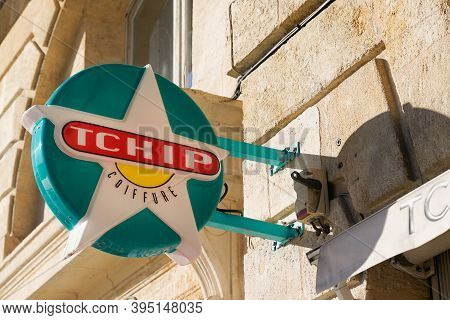 Bordeaux , Aquitaine / France - 11 11 2020 : Tchip Coiffure Logo And Text Sign On Barber Shop Of Low