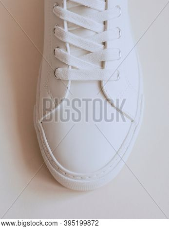 White leather sneakers unisex shoes
