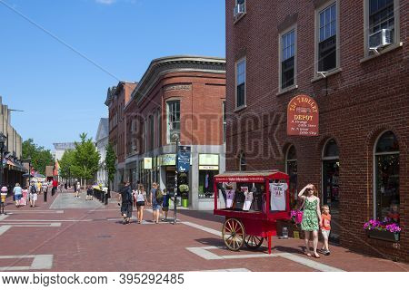Salem, Ma, Usa - Jul. 19, 2019: Historic Buildings On Essex Street Pedestrian Street At Central Stre