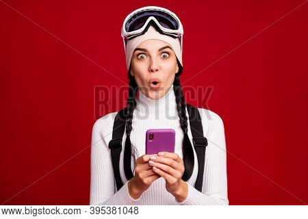 Photo Of Young Charming Lovely Shocked Amazed Surprised Girl Browsing In Internet Hold Phone Isolate