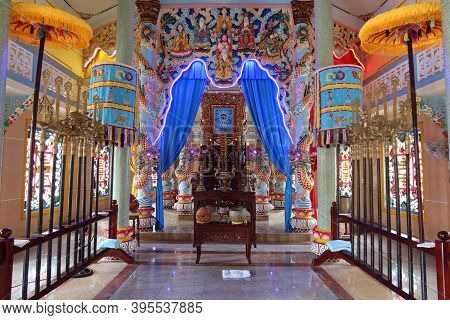 Hoi An, Vietnam, November 19, 2020: View Of The Altar In The Main Hall Of Worship Of The Cao Dai Tem