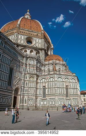 Florence, Italy - May 14, 2013. View Of People Walking Next To The Cathedral Santa Maria Del Fiore.