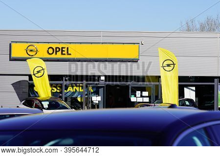 Bordeaux , Aquitaine / France - 11 11 2020 : Opel Dealership Shop With Logo And Text Sign Car Of Aut