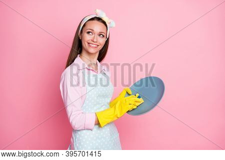 Portrait Of Her She Nice Attractive Pretty Hardworking Cheerful Cheery Brown-haired Housemaid Cleans