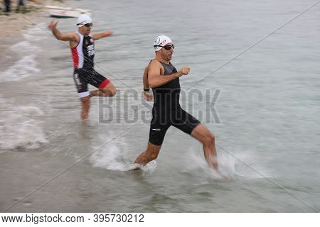 Istanbul, Turkey - October 18, 2020:  Athletes Competing In Swimming Component Of Istanbul Sprint Tr