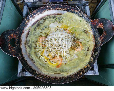Vietnam Sizzling Fried Rice Pancake On The Pan- Banh Xeo