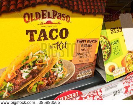 Belgrade, Serbia - October 30, 2020: Old El Paso Logo On Taco Kit Boxes For Sale In Belgrade. Old El