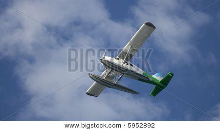 airborne float plane