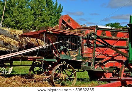 Harvest with the Threshing Machine