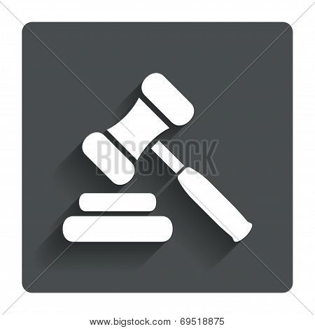 Auction hammer icon. Law judge gavel symbol.