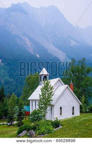 White Church, Field, Canada