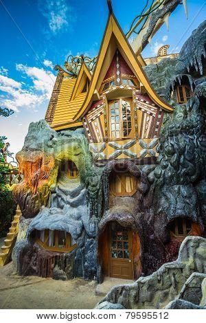 Hang Nga Crazy House, Bi?t Th? H?ng Nga, Da Lat