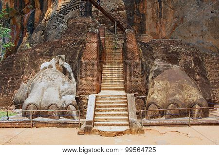 Exterior of the entrance to the Sigiriya Lion rock fortress in Sigiriya, Sri Lanka.
