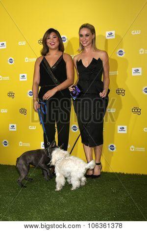 LOS ANGELES - JAN 10:  Jenna Ushkowitz, Bear, Becca Tobin, Sophie at the CW Network presents