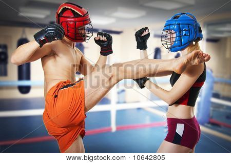 Two Person Training Kikboxing On Ring