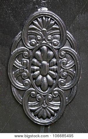 metallic element of decor