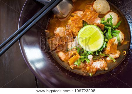 Thai Noodles Spicy Tom Yum Soup With Pork