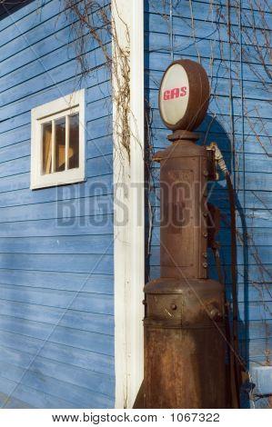 Gas Pump 3772