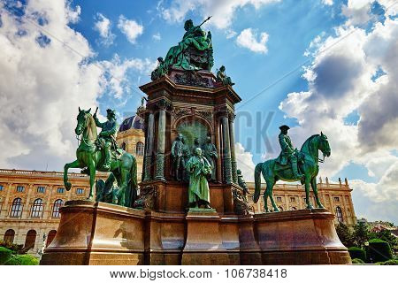 Maria Theresa Square.monuments Of The Great Empress Of Austria-maria Theresa. Vienna, Austria.