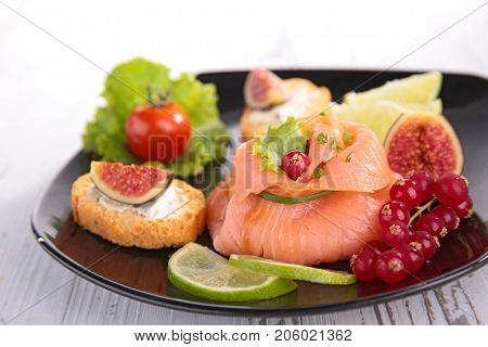 festive entree with salmon,redcurrant and toast