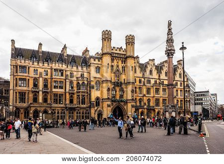 Westminster Abbey Dean Yard In London, Hdr