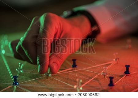Hand selecting pin on connection simulate