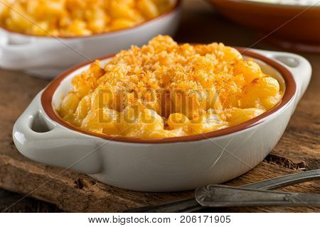 A bowl of delicious homemade mac and cheese.