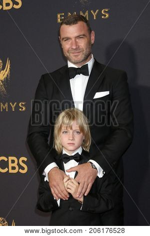 LOS ANGELES - SEP 17:  Liev Schreiber, Kai Schreiber at the 69th Primetime Emmy Awards - Arrivals at the Microsoft Theater on September 17, 2017 in Los Angeles, CA