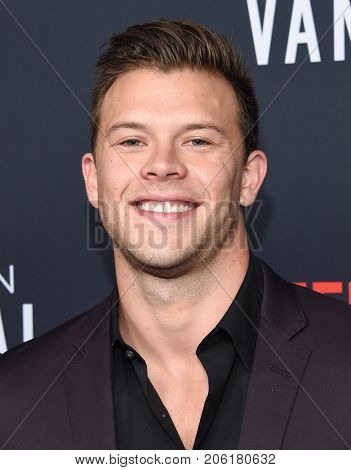 LOS ANGELES - SEP 14:  Jimmy Tatro arrives for the Netflix premiere of