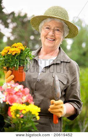 Senior Woman Gartenarbeit