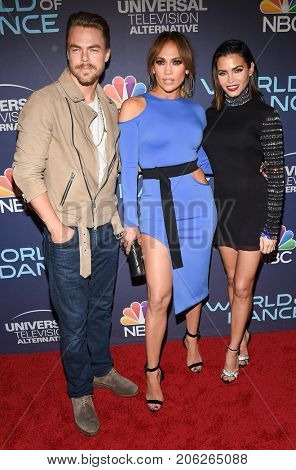 LOS ANGELES - SEP 19:  Derek Hough, Jennifer Lopez and Jenna Dewan-Tatum arrives for the premiere of