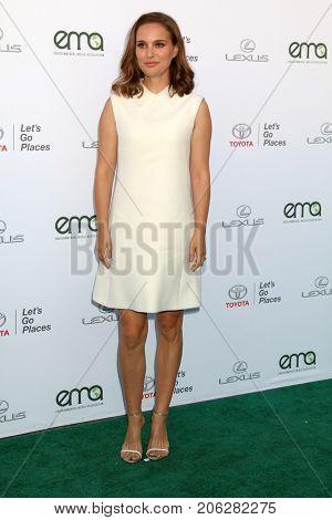 LOS ANGELES - SEP 23:  Natalie Portman at the 27th Environmental Media Awards at the Barker Hangaer on September 23, 2017 in Santa Monica, CA