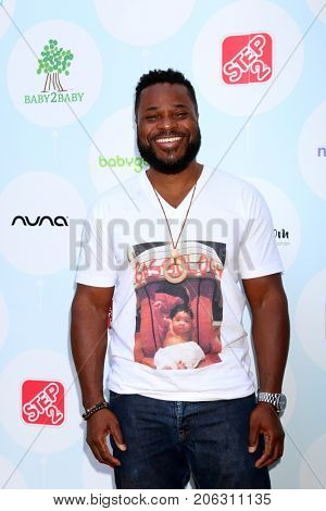 LOS ANGELES - SEP 23:  Malcolm-Jamal Warner at the 6th Annual Red CARpet Safety Awareness Event at the Sony Pictures Studio on September 23, 2017 in Culver City, CA