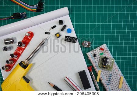 Diy Robot Engineer Electronic Kit Set Background, Diy Robot Engineer Made On Base Of Microcontroller