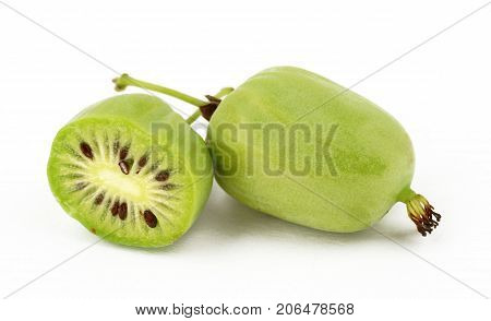 actinidia vitamin berry hardy kiwi food nature deliceosa isolated
