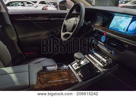 Genesis G90 Interior On Display