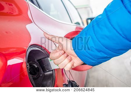 price of gas is very low, thumbs up