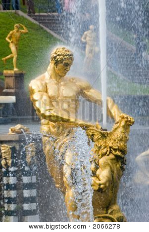 Samson And The Lion Fountain, Peterhof, Russia