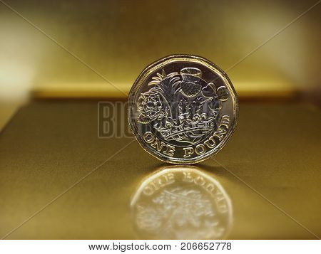 1 Pound Coin, United Kingdom Over Gold