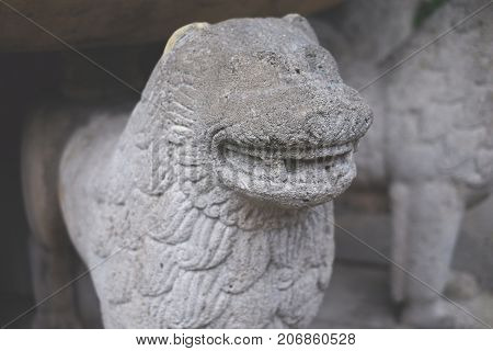 Stone Lion, Old