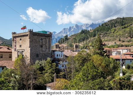 Torre Del Infantado In Potes, Cantabria, Spain. Today It Is The Town Hall. Old Town Of Potes In Pico