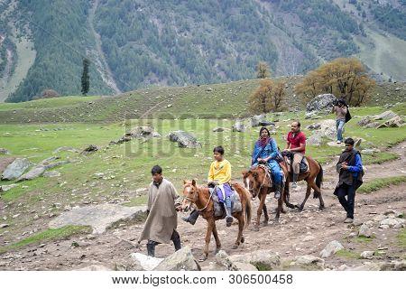 Panchchuli Himalaya, Munsiyari Uttarakhand India October 2018 - Taking A Horseback Riding In The Him