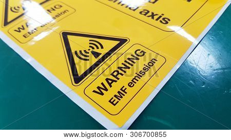Warning Emf Symbol Sign,radiation Warning Sign On The Hazardous Materials Transport Label Class 7 At