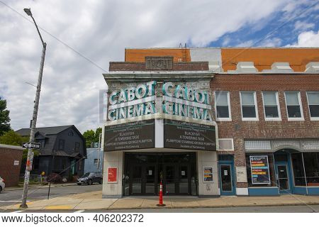 Beverly, Ma, Usa - Jun. 12, 2020: The Cabot Cinema And Theater At 286 Cabot Street In Historic City