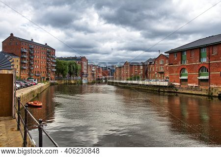 Leeds City Uk. The Calls, Former Industrial Warehouse Area On River Aire. Nowadays Redeveloped Loft
