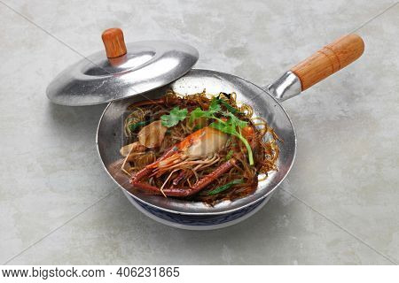 kung op wun sen, thai style steamed prawn with glass noodle