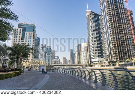 Dubai, Uae - January 2020: Modern Buildings Near The Channel In Dubai. In The City Of Artificial Cha