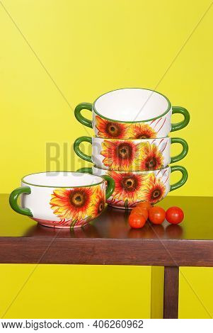 Cookware; Set Of Ceramic Utensils To Serve Soup.