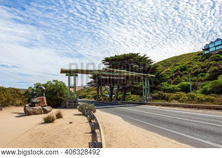 The Great Ocean Road runs along the Pacific coast of Australia. The road is a war memorial to the victims of the First World War. Considered the most scenic road in the world